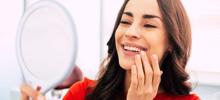 Como é feito implante dentário? Conheça essa cirurgia!